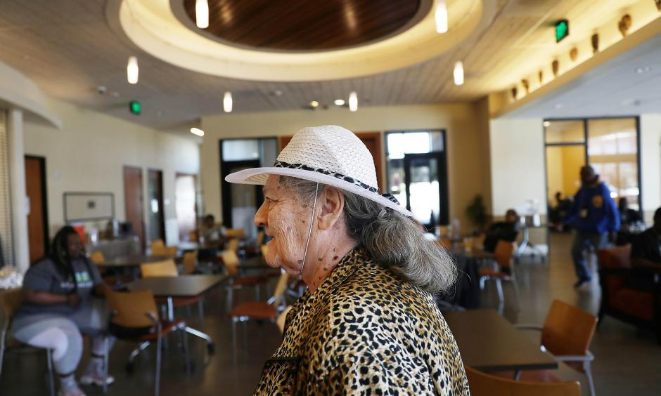 Sylvia Vaughn visits the cooling station at the senior center in San Francisco. The city hit 97 degrees Monday, a record high for June 10. Photo: Lea Suzuki, The Chronicle