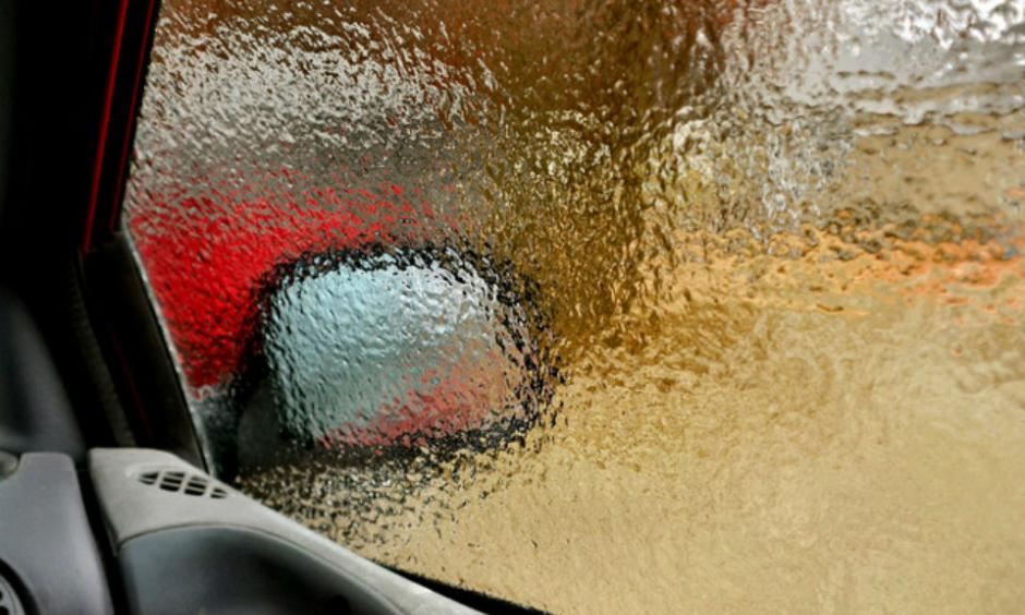 Not a thick coating, but a nice even coating of ice. Image: Inside 2