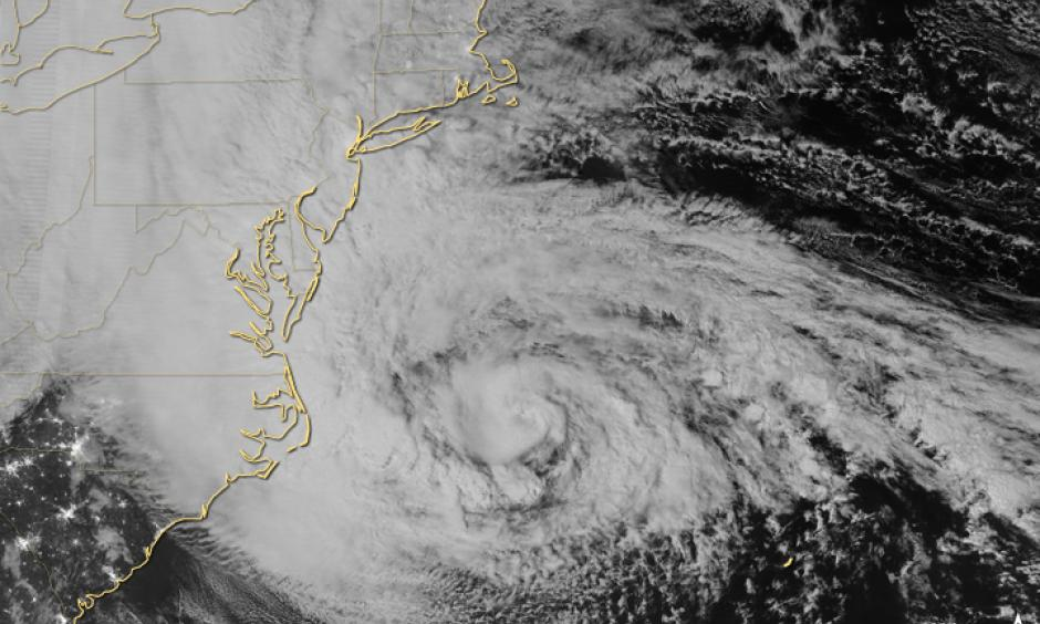 Hurricane Sandy approaches the Atlantic coast of the U.S. in the early morning hours of October 29, 2012. Image: Jesse Allen and Robert Simmon, NASA Earth Observatory