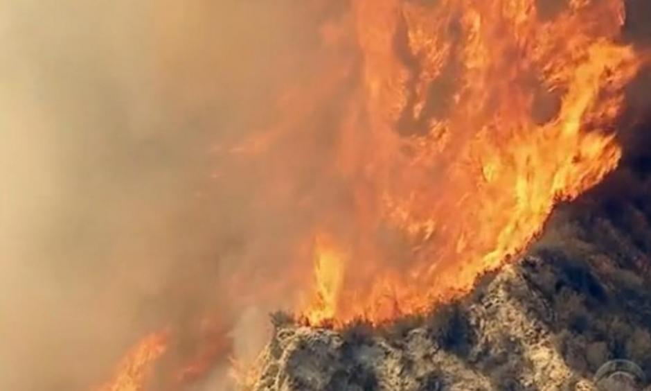Santa Clarita wildfire. Photo: CBS News