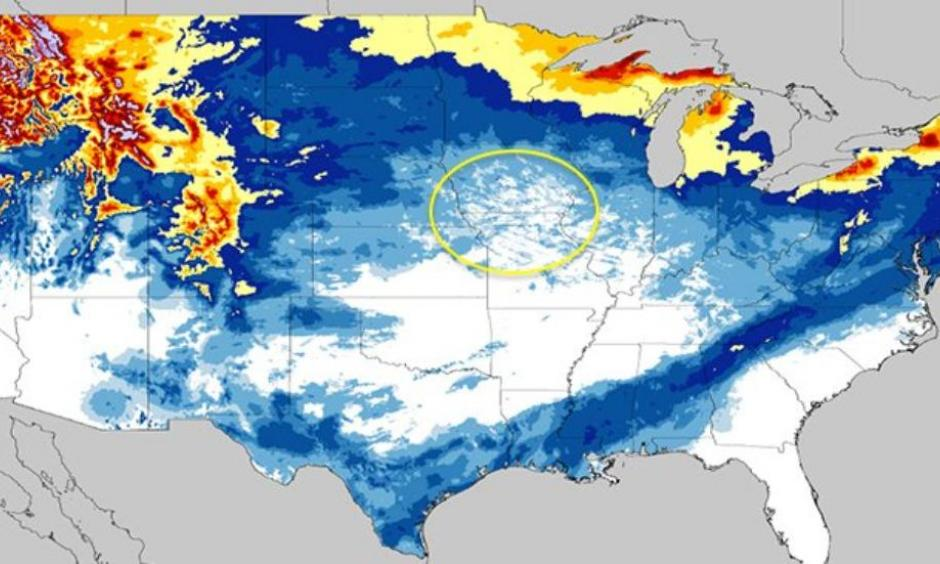 Season snowfall estimation as of 7 a.m. EST, Dec. 20, 2017. The red dots denote some locations in the Midwest that had yet to see measurable snow in the season. The purple arrows highlight the swath of snow from Winter Storm Benji in early December. Image: NOAA/NOHRSC
