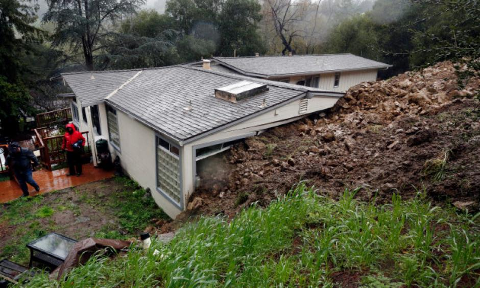 Mud and rocks hit the rear of a home on Van Tassel Lane in Orinda, Calif., resulting in the county red-tagging the home, deeming it unsafe to be in the home on Thursday, Feb. 9, 2017. Photo: Laura A. Oda, Bay Area News Group