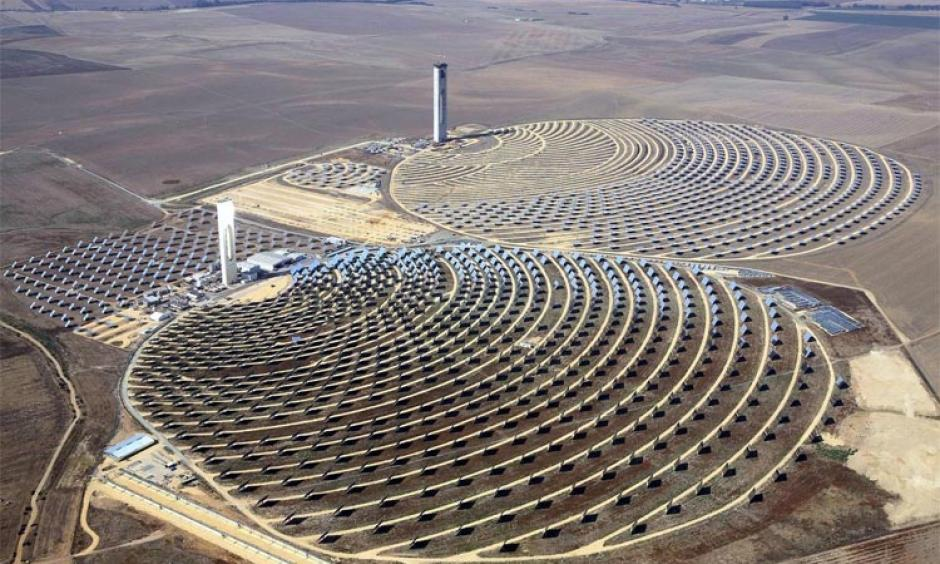 The solar tower plants in Sanlucar la Mayor, Spain had plenty of fuel on September 5th when the temperature at a nearby site set a new European monthly heat record of 46.4°C (115.5°F) on September 5th. Photo: Wikicommons