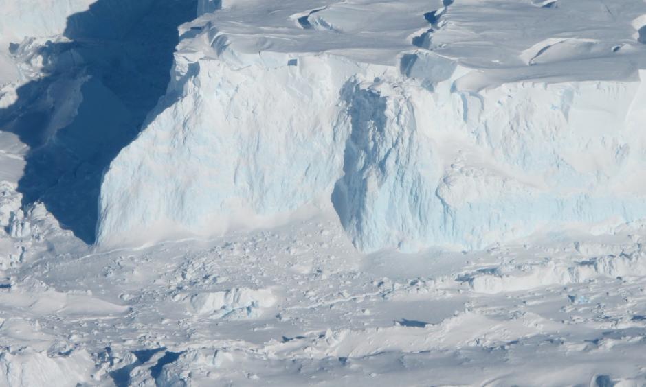 An edge of the Thwaites Ice Shelf in Antarctica. Photo: Jim Yungel/ NASA