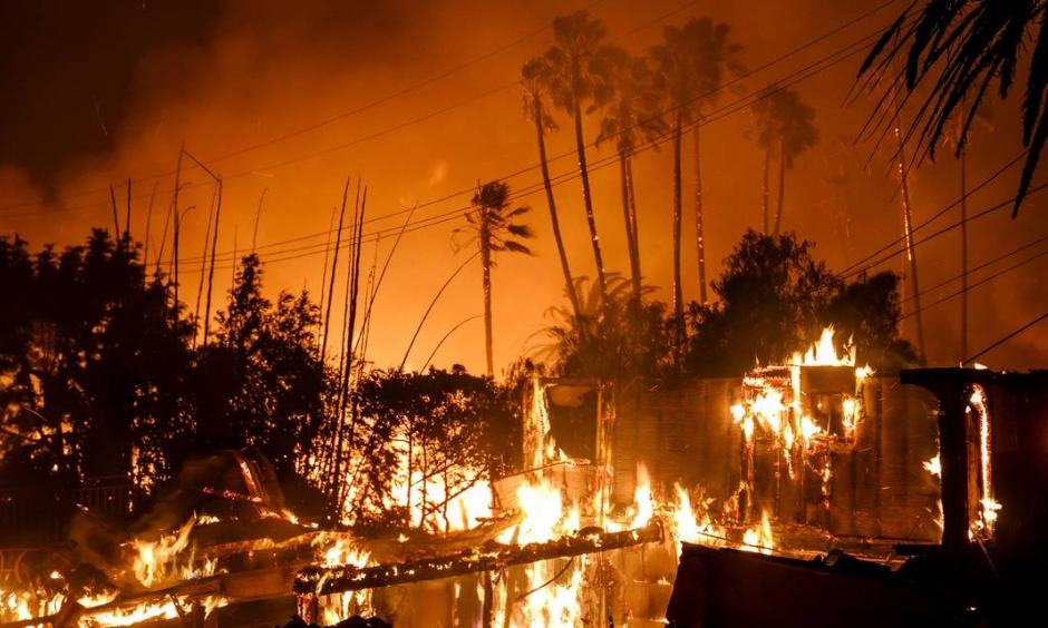 Dramatic images of the fire burning near Ventura. Photo: AP