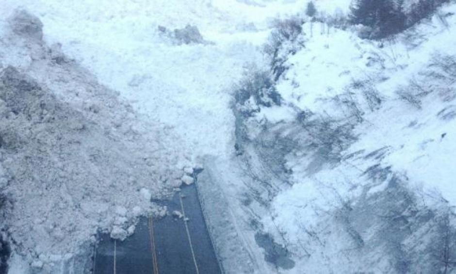 The Richardson Highway, the only road into Valdez, Alaska, lies blocked by a massive avalanche in this photo taken on January 25, 2014. Photo: Alaska Department of Transportation and Public Facilities