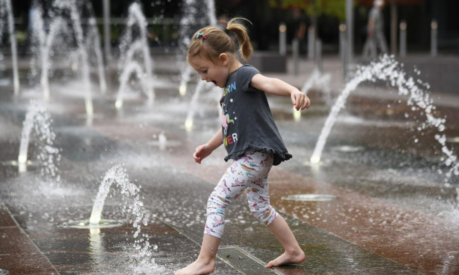 Frannie Bishop, 3, of Fort Collins is playing in the fountain of Denver Union Station on Tuesday, Sept. 18, 2018. Photo: Hyoung Chang, The Denver Post