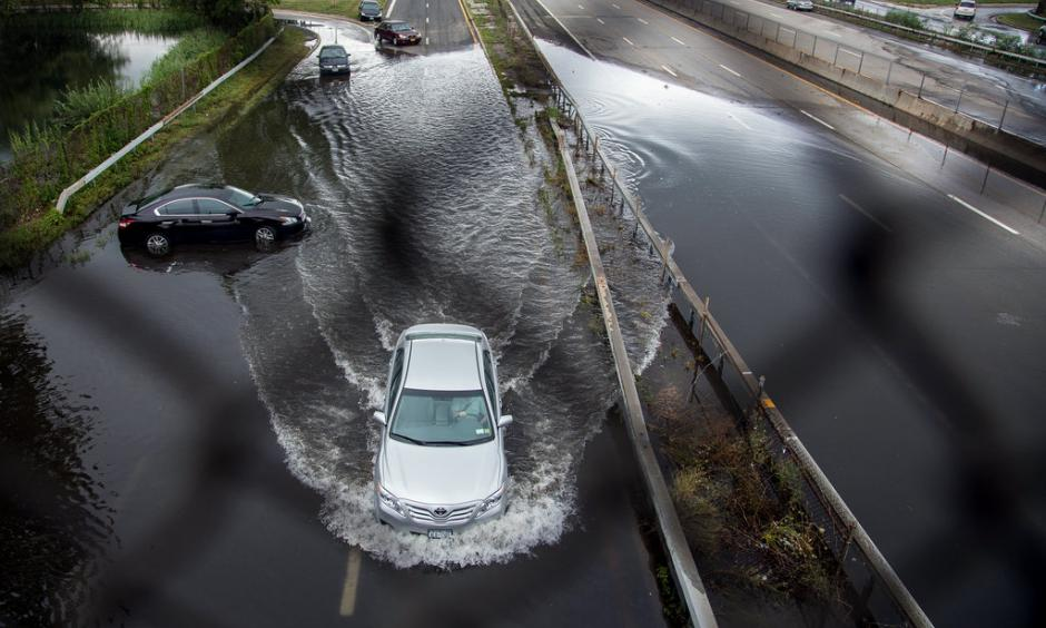 Heavy flooding in Long Island. Image: Uli Seit, New York Times