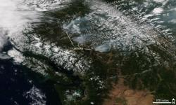 Suomi NPP satellite image taken of British Columbia on July 30, 2017 using the VIIRS instrument. The smoke from several wildfires burning across the province are visible. Image: NOAA Climate.gov, NOAA Environmental Visualization Laboratory