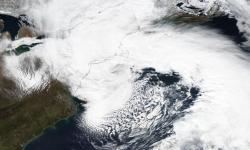 Suomi NPP satellite image taken of the eastern United States on March 2, 2018 using the VIIRS instrument. A massive nor'easter brought heavy snow and damaging winds to a broad area across the East Coast. Image: NOAA Climate.gov, data from NASA Worldview